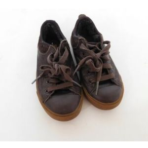 UGG AUSTRALIA Boys Brown Leather Sneakers Size 10
